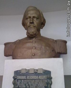 Busto del Gral. Elizardo Aquino.